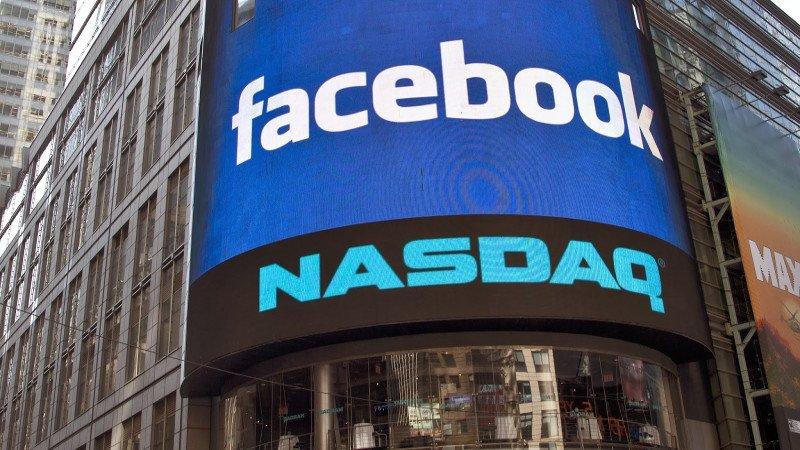 Facebook golpea a Wall Street
