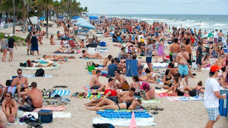 Turismo mundial se desacelera ante alzas del petróleo