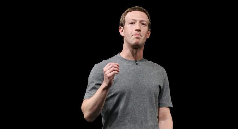 Zuckerberg reconoce «errores» de Facebook y asegura que investigará las aplicaciones