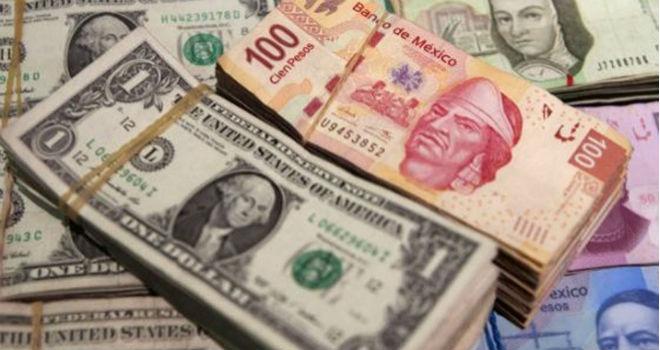 El peso toca los 18 por dólar, nuevo mejor nivel del año