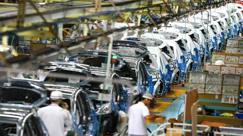 Producción automotriz interanual cayó 10.9% en marzo