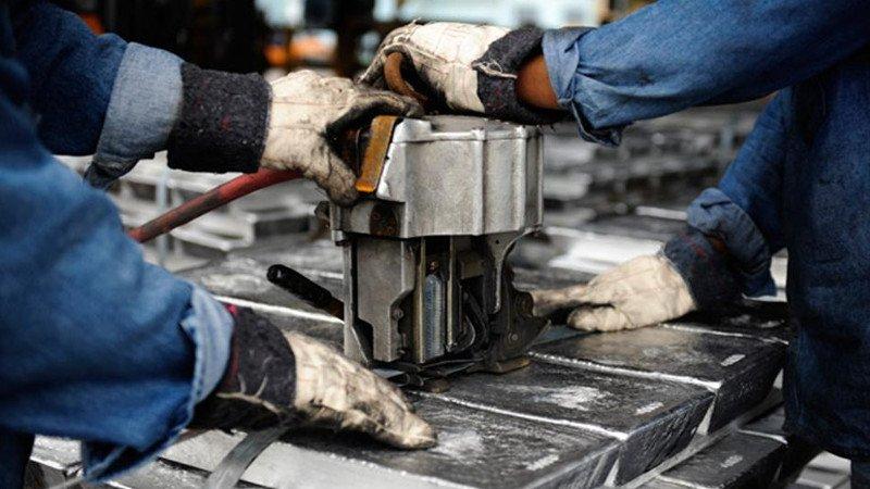 Aluminio en su nivel más alto en dos meses