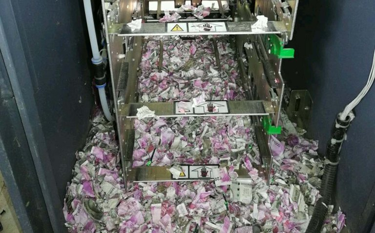Las ratas se comieron 360 mil pesos de un cajero en India