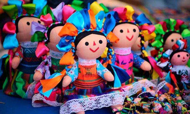 Muñecas artesanales de Amealco ya son Patrimonio Cultural