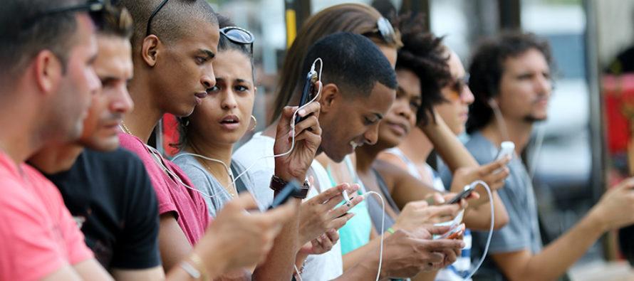 Servicio de internet en móviles arranca en Cuba
