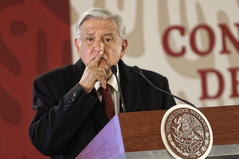 AMLO se lanza contra Fitch tras baja de calificación a Pemex: Son hipócritas que permitieron el saqueo