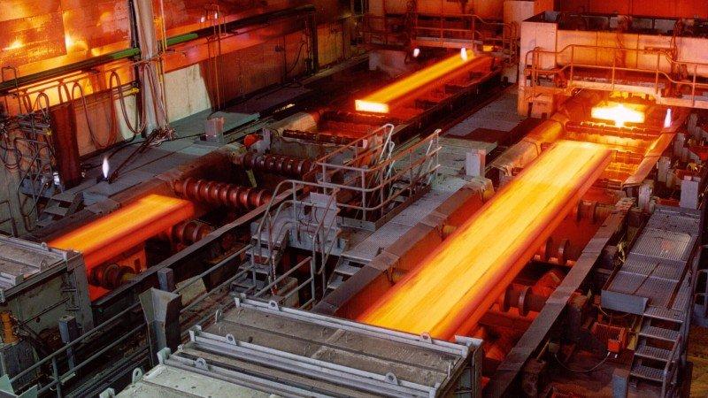 Trabajadores acereros logran aumento salarial con ArcelorMittal