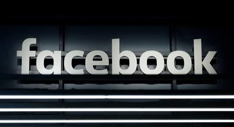 Facebook podría convertirse en plataforma de pornografía infantil, advierte director del FBI