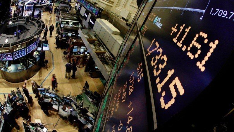 Rompen nuevo récord Dow Jones y Nasdaq en EU