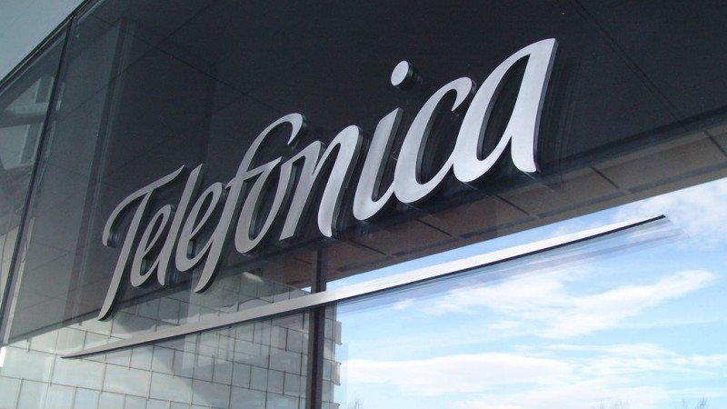 Telefónica anuncia fuertes pérdidas por reestructuración en España
