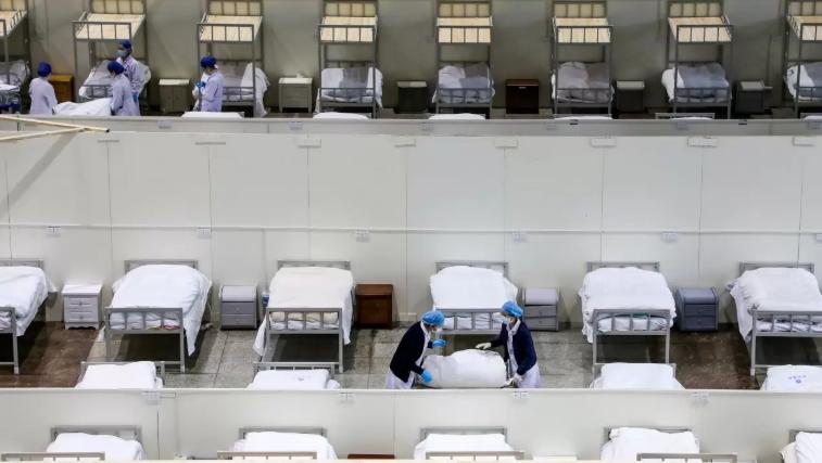 Robots, los únicos asistentes confiables en los hospitales chinos durante brote de coronavirus