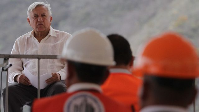 Ni un paso atrás: Santa Lucía, Dos Bocas y Tren Maya se terminarán para reactivar economía, afirma AMLO