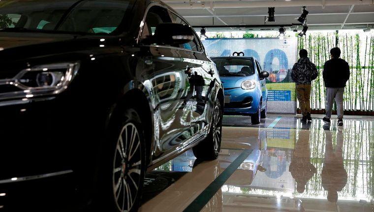 Ventas globales de autos caerán 2.5% este año por Covid-19: Moody's