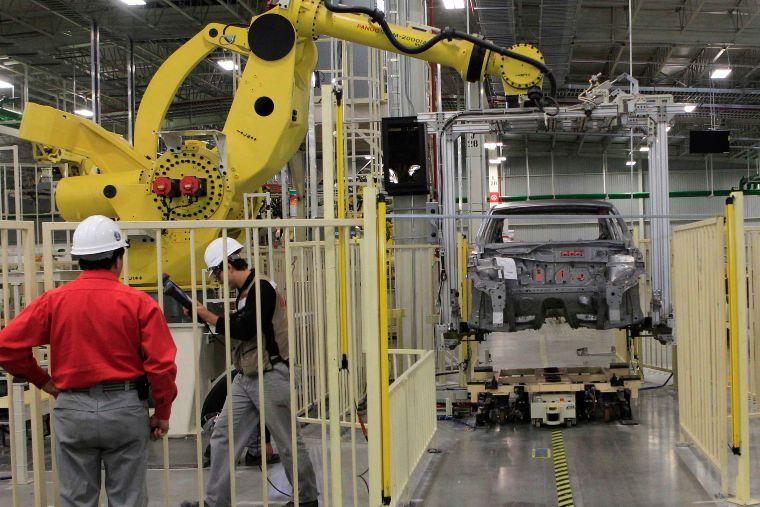 Producción automotriz cae 24.6% tras freno de la industria por la contingencia del Covid-19