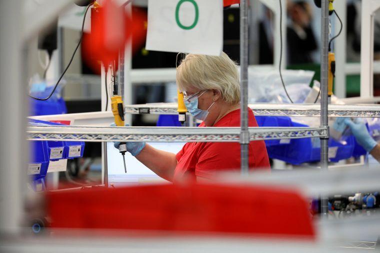 Caída en producción industrial en México será peor que en EU