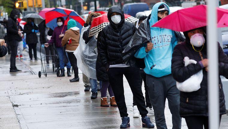 Desempleados en EU siguen en aumento