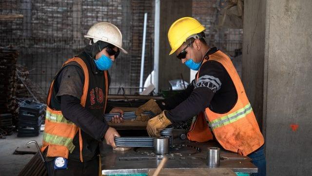 Industrias deben modificar sus sistemas de ventilación para evitar contagios: experto de la UNAM