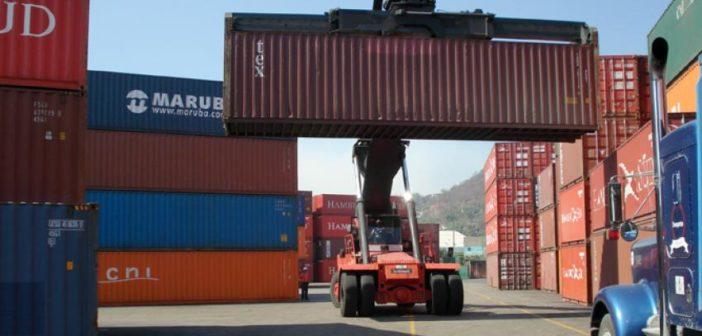 Mipymes prácticamente ausentes del comercio internacional: Economía
