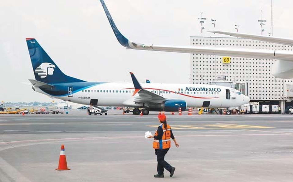 Autorizan a Aeroméxico despido de mil 230 empleados como parte de reestructura