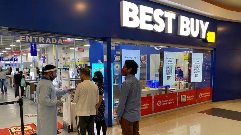 Con la salida Best Buy, están en peligro hasta dos mil plazas